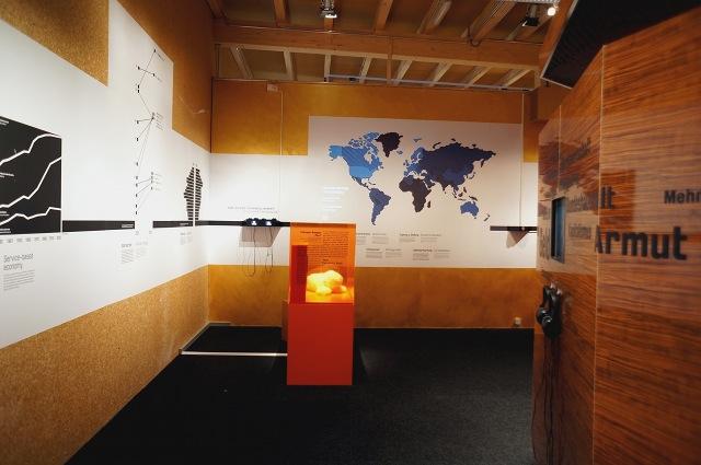 Ausstellung: Was tun? Raum 5. Foto: Tine Nowak