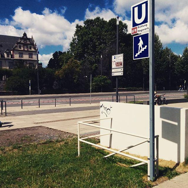 U-Bahn Richtung Hogwarts, Darmstadt.