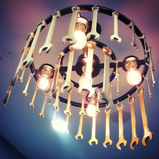 Wäre doch heute #Lampenmittwoch und nicht #Treppenhausfreitag...