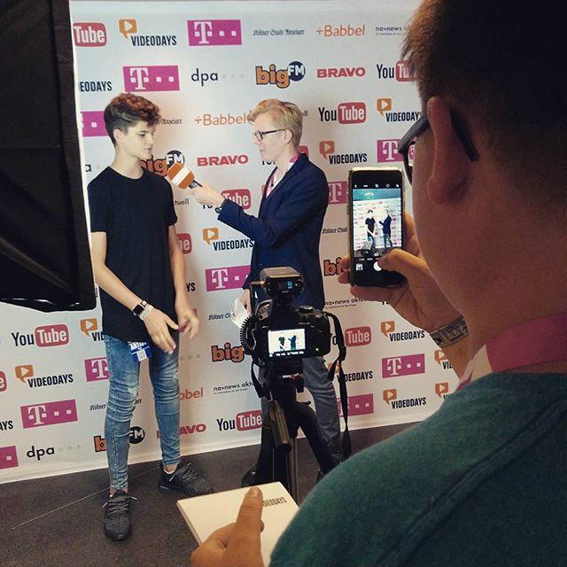 Heute kennengelernt: @maxdettenthaler (Mikro) und @simonschmi (Kamera) - vom selbstgegründeten Nürnberger Lokalradio Feucht.fm - im Interview mit @dieseroskar