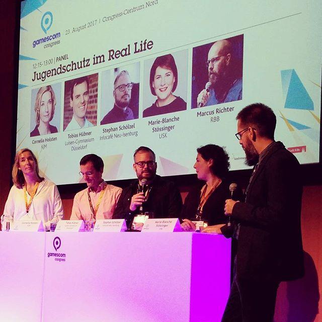 Diskussion zu Jugendmedienschutz beim Gamescom Congress